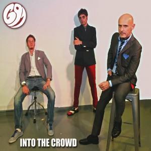 COPERTINA INTO THE CROWD (1)